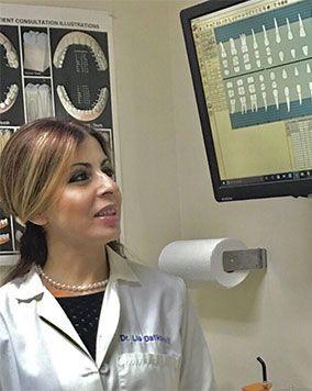 Dr Lia Headshot 2